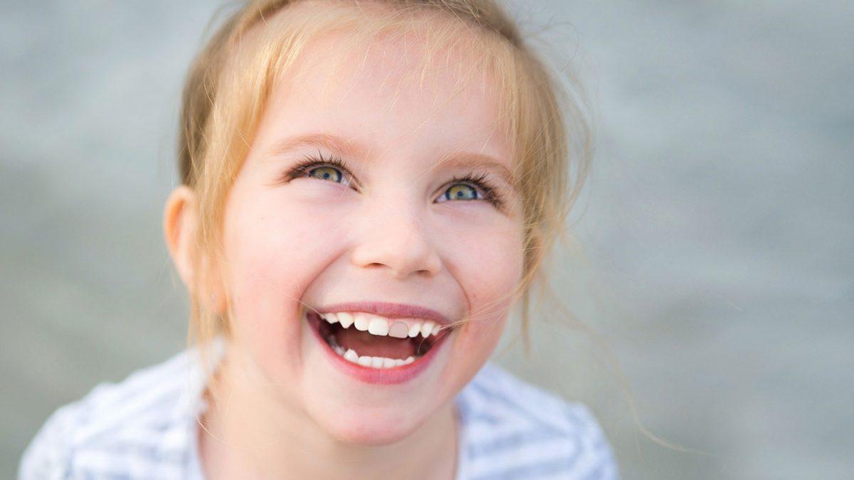 dinti colorati la copii